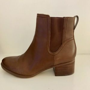 Brown leather short boots